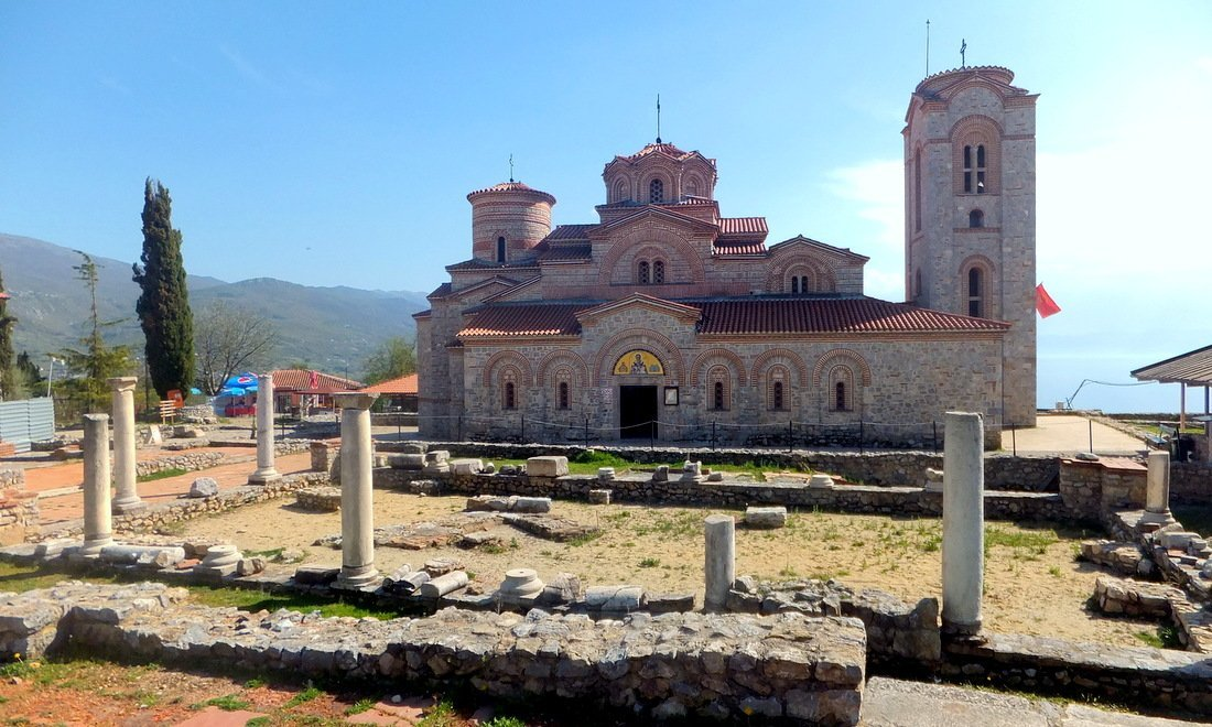 The church and ruins at Plaošnik archeological site