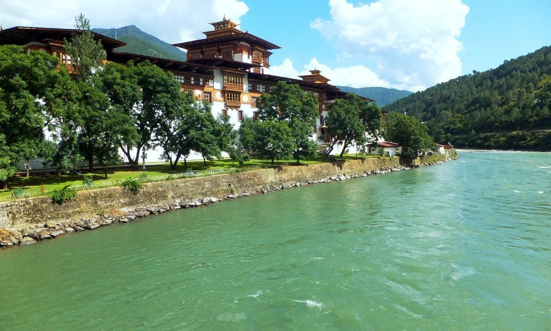 The Punakha dzong - places to visit in bhutan