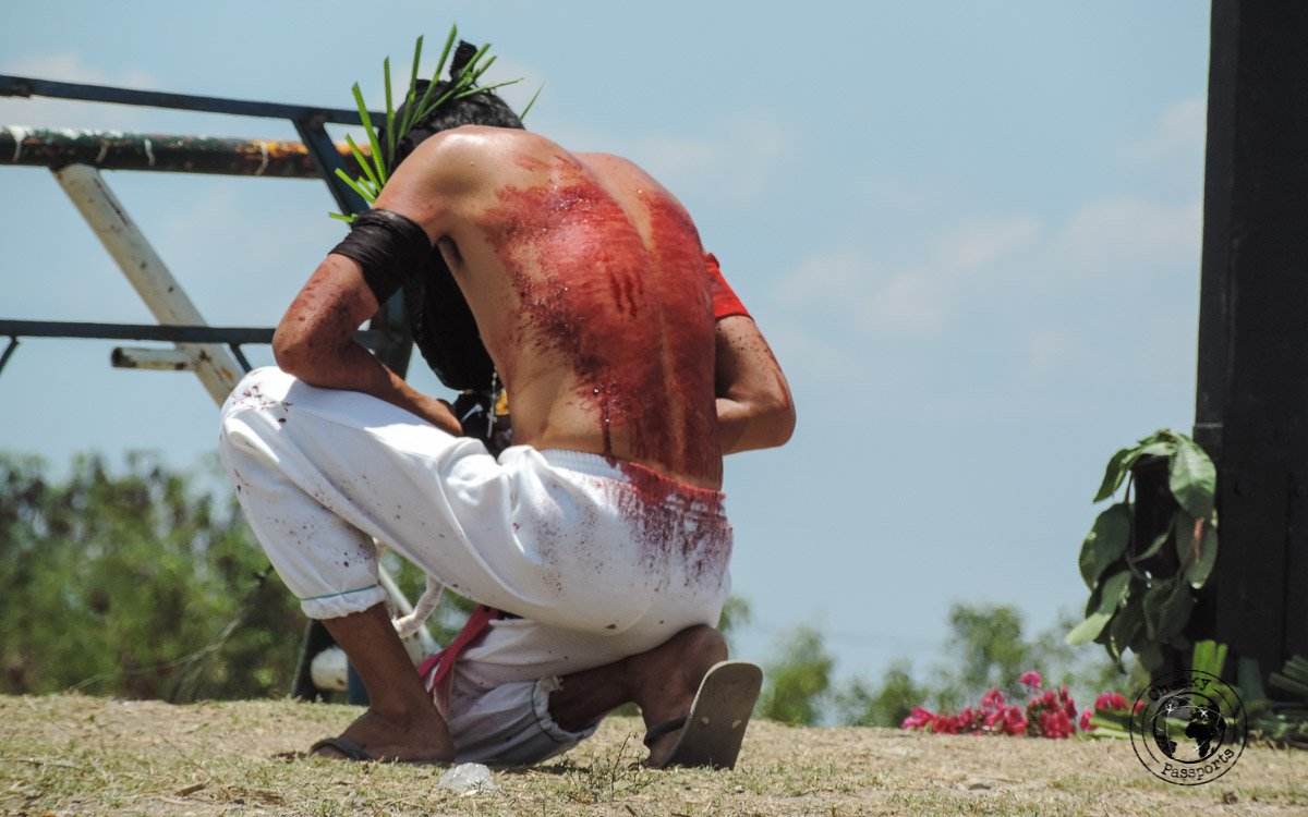 penitents - crucifixion at san pedro cutud