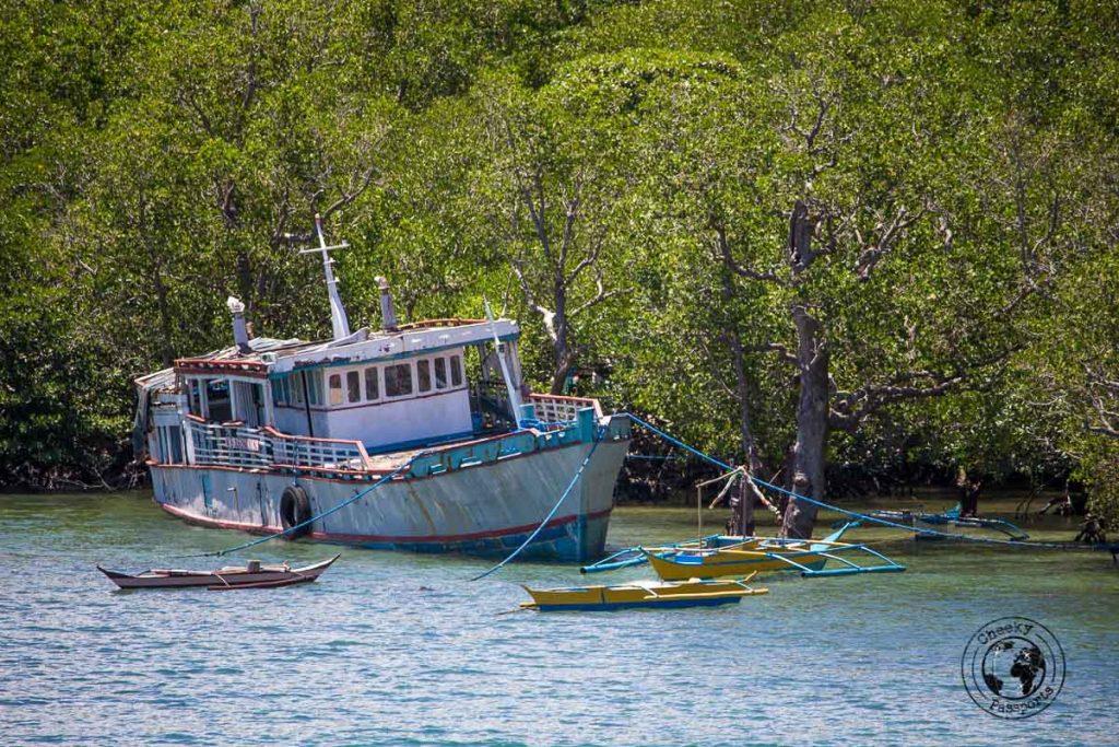 sunken ship in the port of Sibuyan