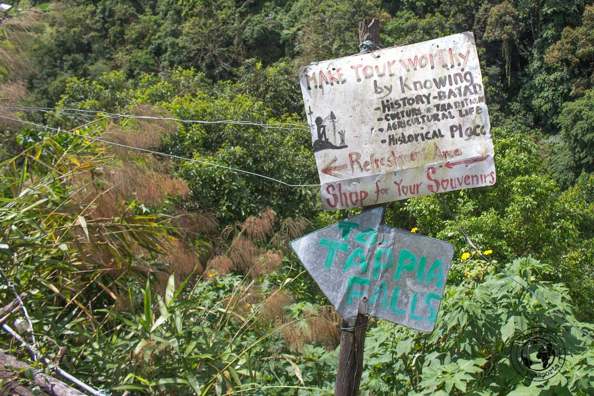 Signs and waypoints to the rice terraces of Banaue and Batad
