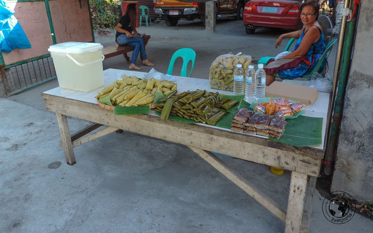 Suman stall - 'must try' street foods in the Philippines