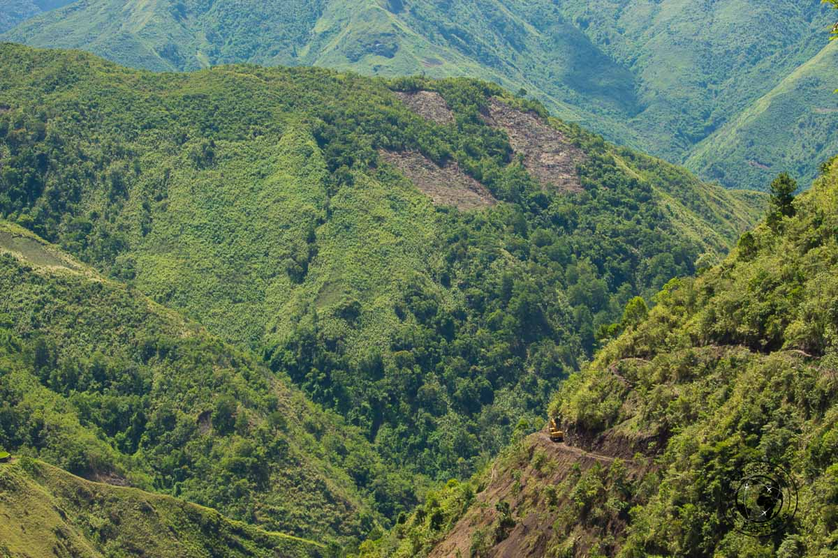Buscalan Valley and the road leading to town. This view is very common on your way from Bontoc to Buscalan