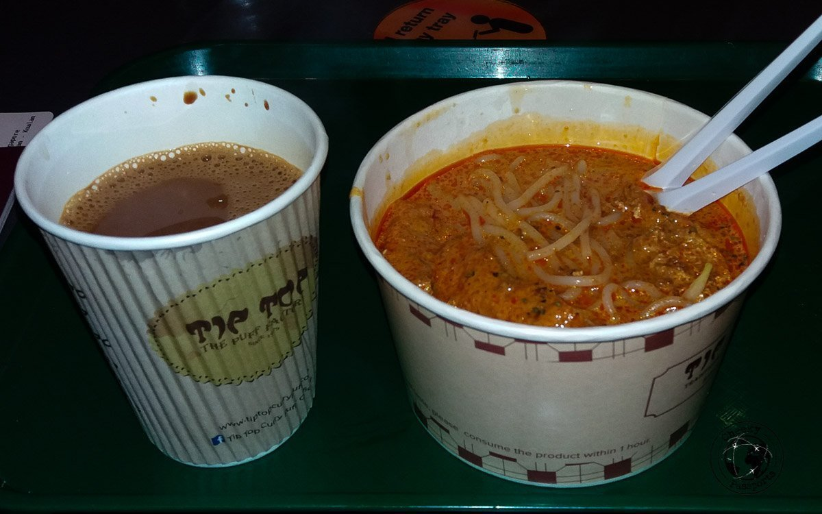 Curry Laksa - street foods in Malaysia