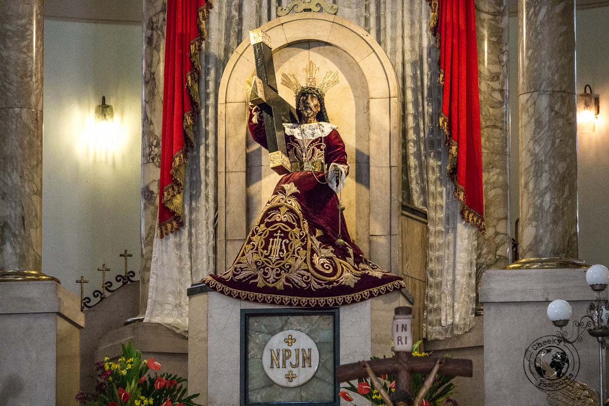 The black Nazarene - A stop on the Day tour in Manila City