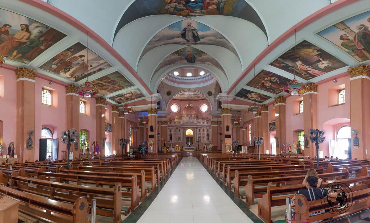 Interior of the Minor Basilica of Sto. Lorenzo Ruiz - A stop on the Day tour of Manila City