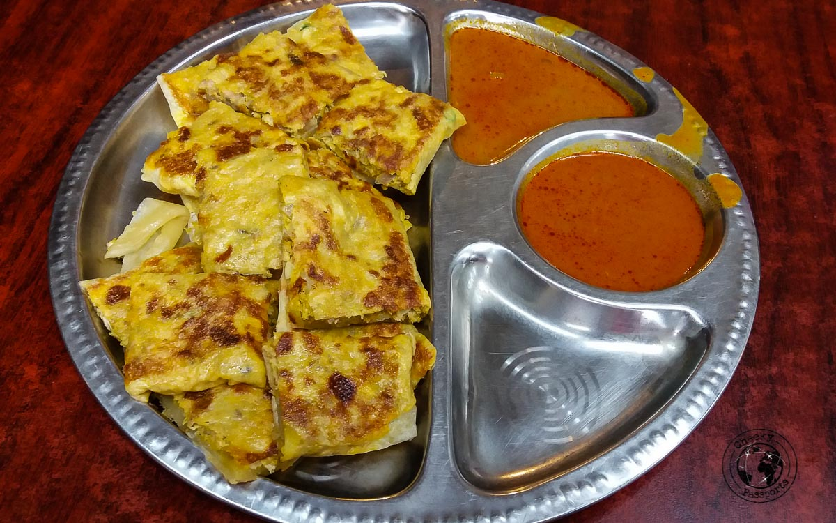 Murtabak - street foods in Malaysia - Malaysia Travel Budget and Expenses