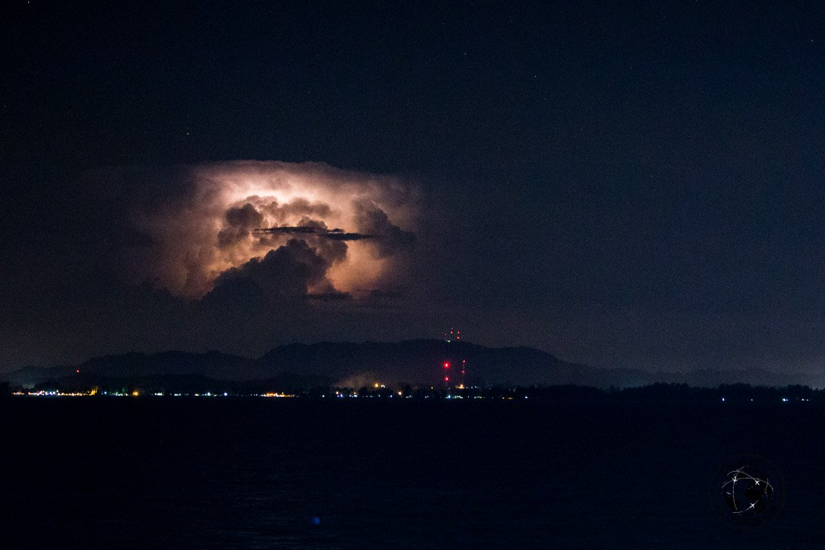 A storm is brewing over Malang - Kapas island, Pulau Kapas