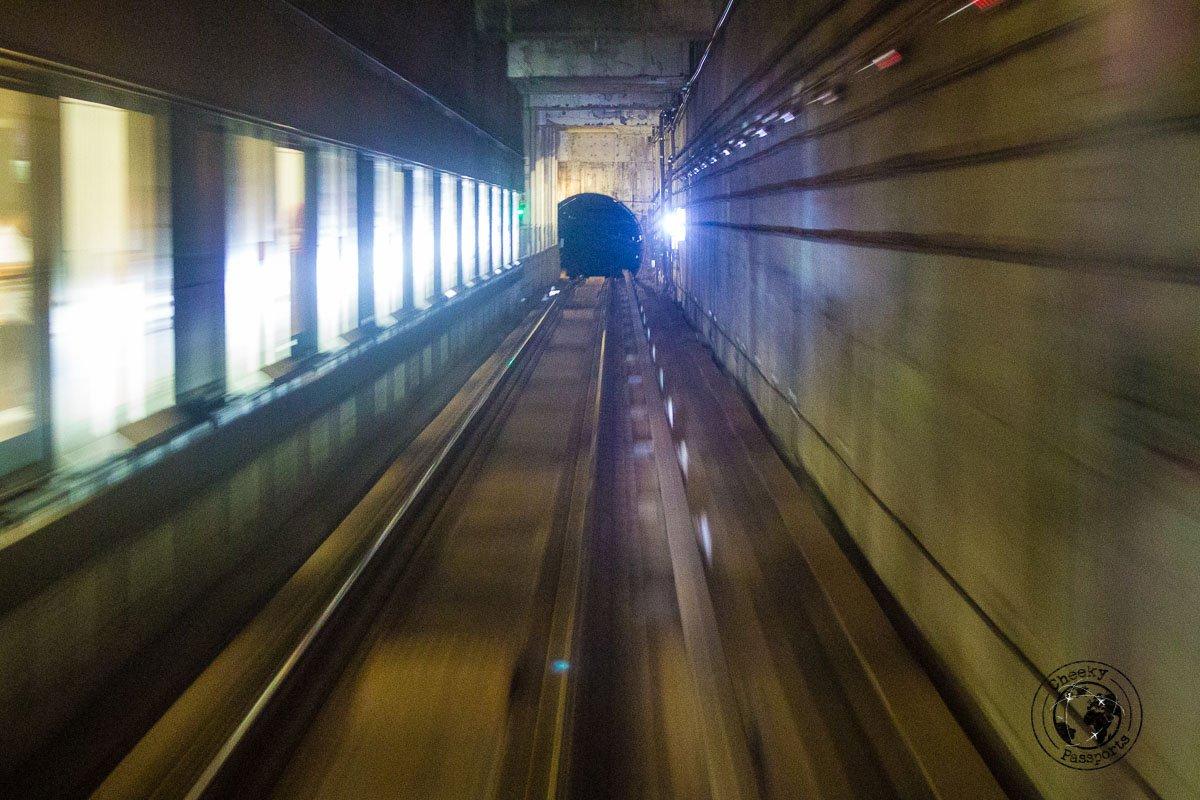 the MRT subway - 3 days in singapore