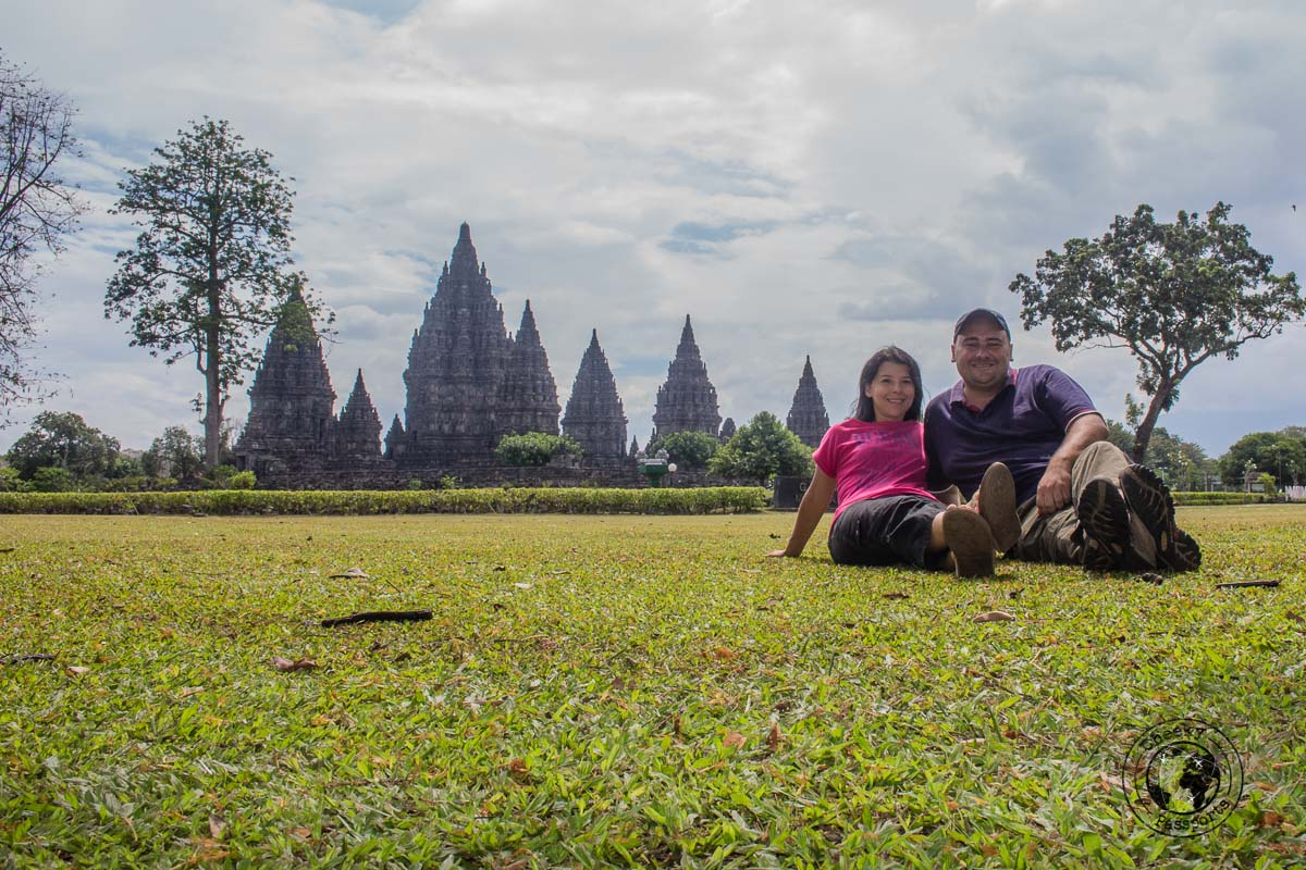 Michelle and Nikki posing with the backdrop of Prambanan temple