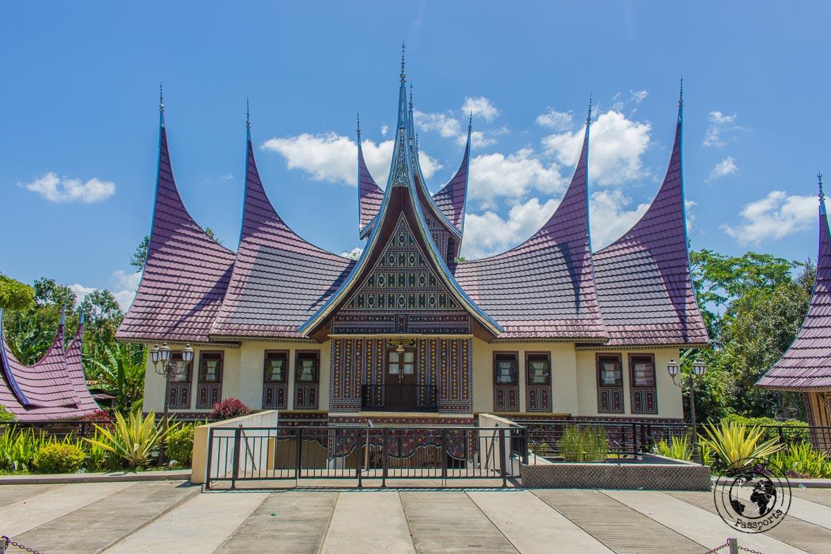 Rumah gadang - A Mini Guide to Bukittinggi West Sumatra