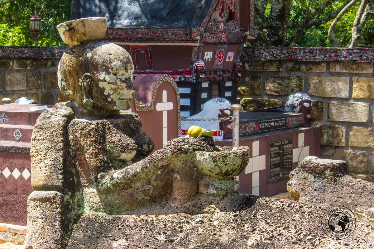 Sidabutar's tomb detail - things to do in Lake Toba
