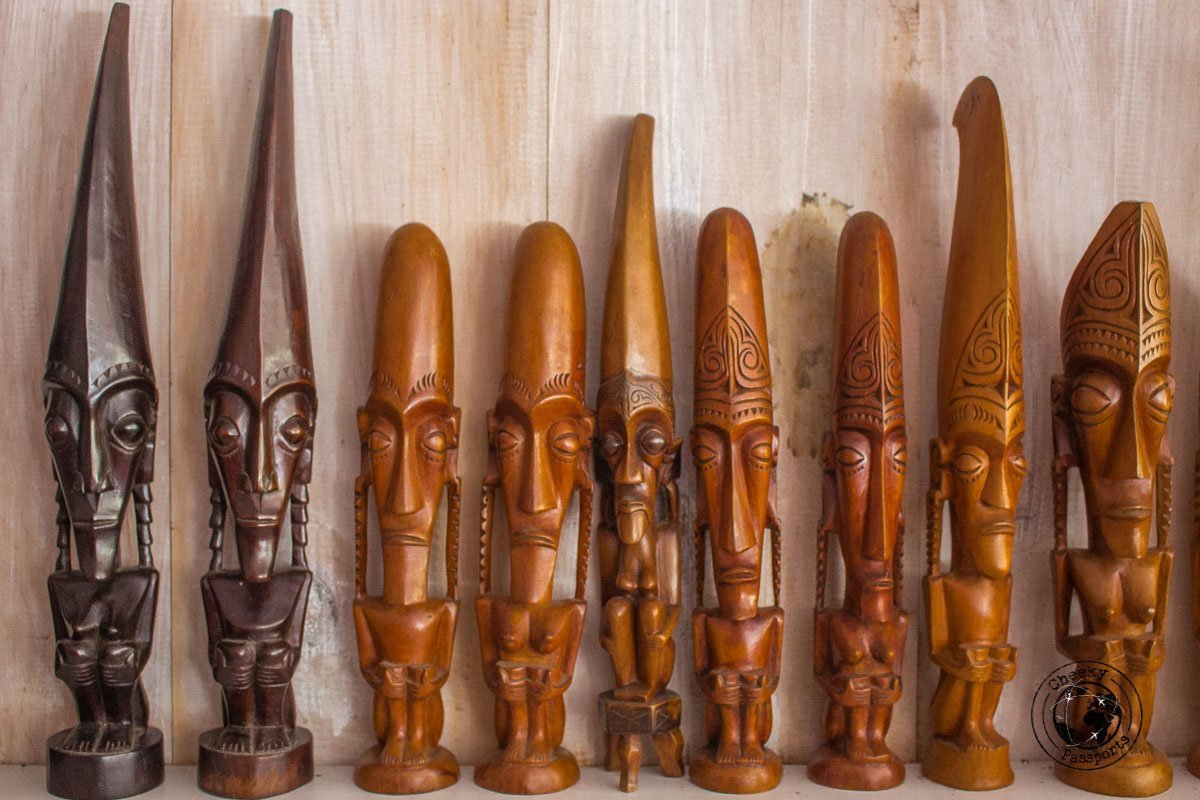 Wooden Statuettes - a guide to lake toba