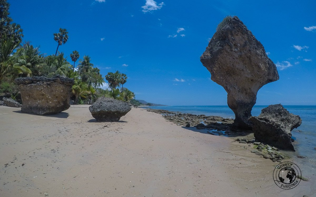 Baucau beach structure - Travel expenses in Timor-Leste