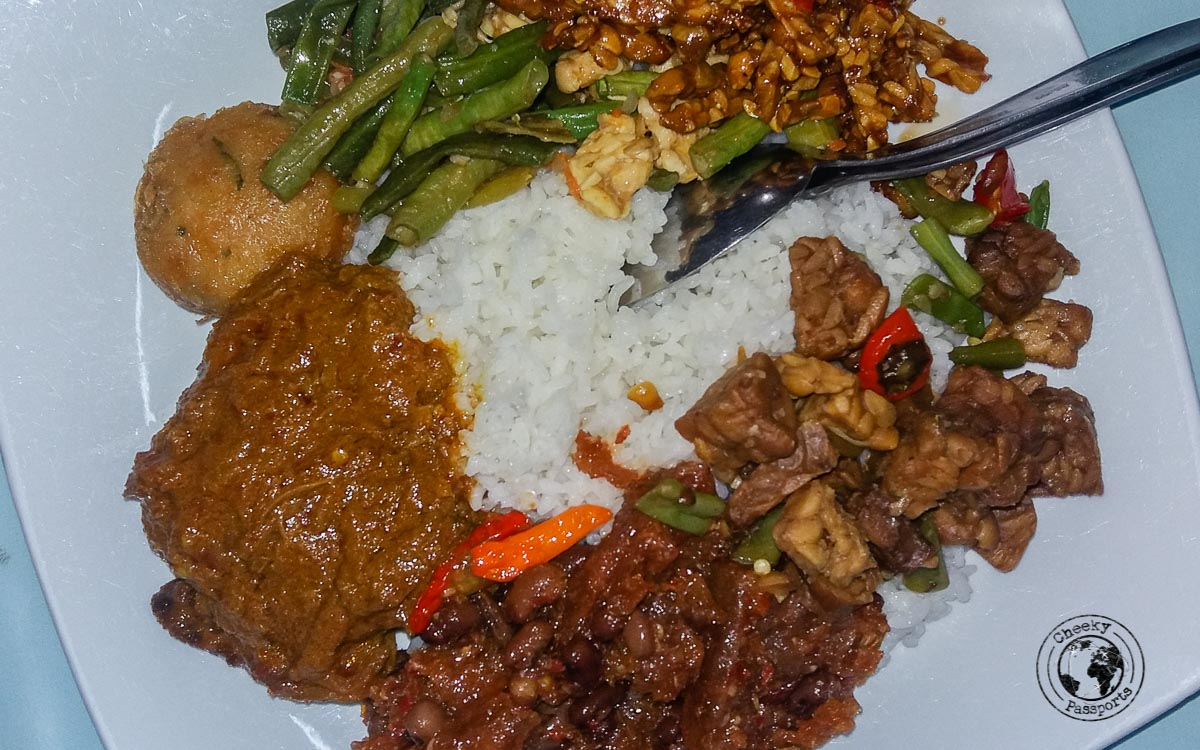 Warung food in Dili - Things to do in Dili, Timor Leste