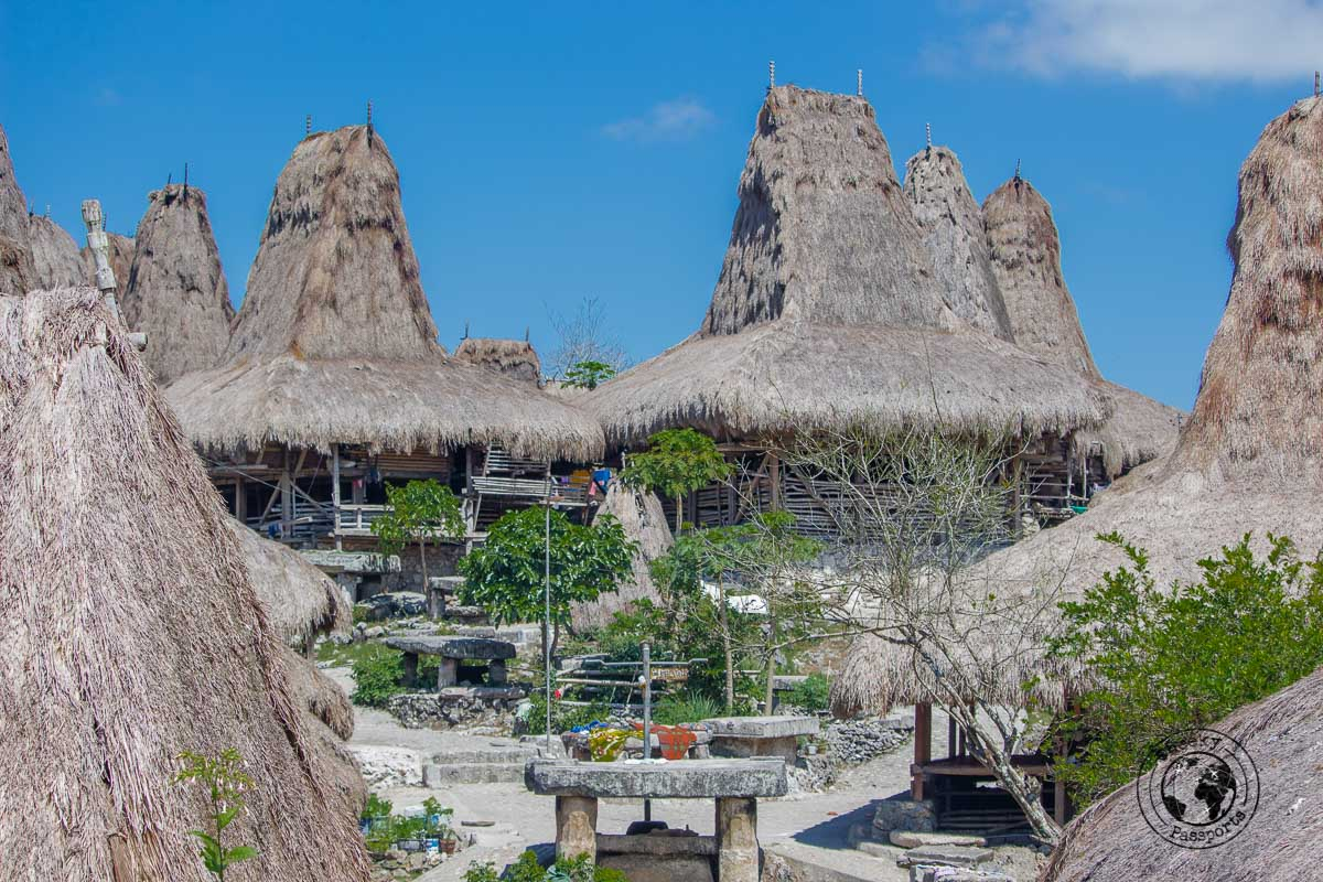 Traditional Kampun huts of Sumba - What to do on Sumba Indonesia