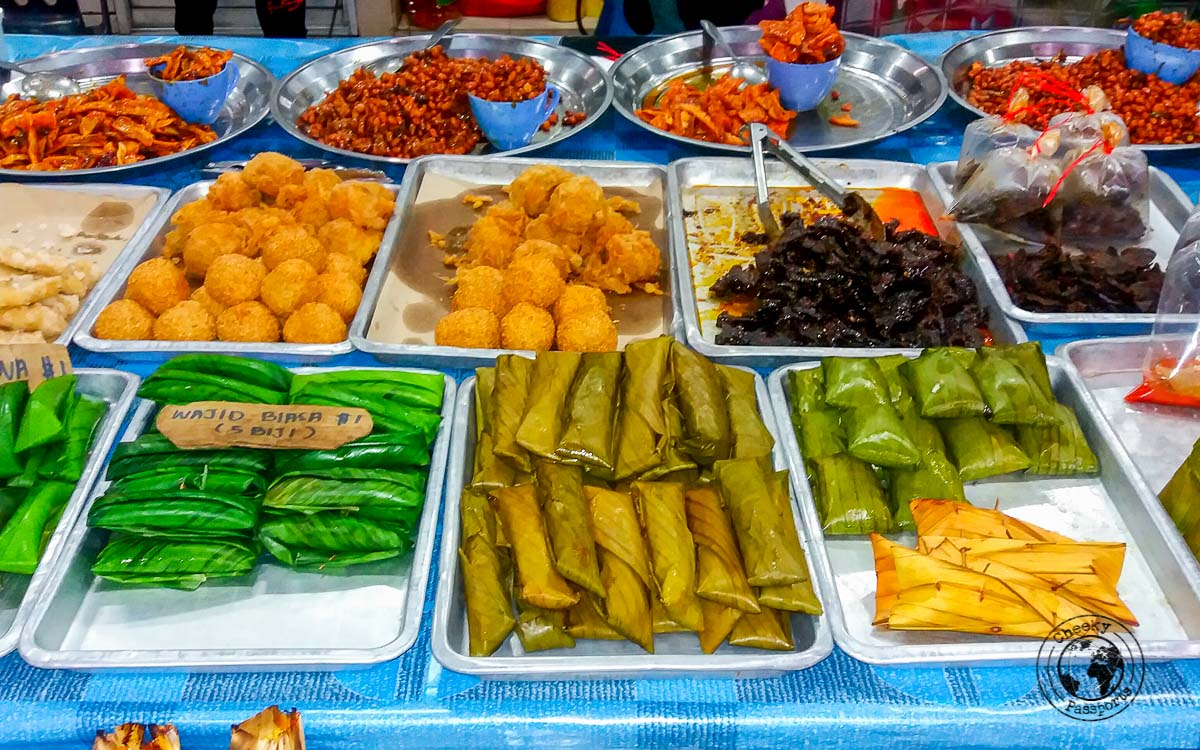 Discovering the night food market in Brunei - Our Best Travel Moments thsi year 2017