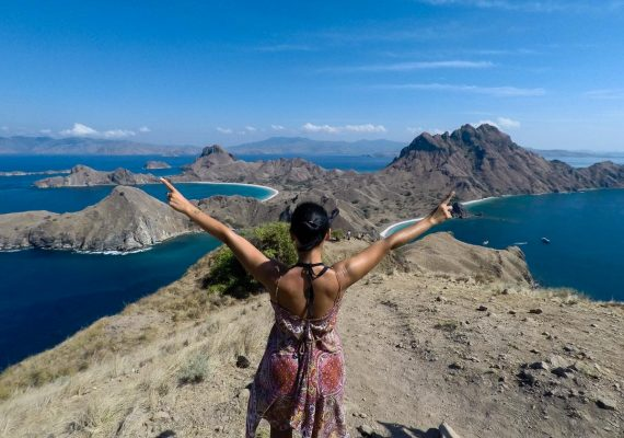padar island viewpoint -featured image for travelling accross Flores Island Indonesia