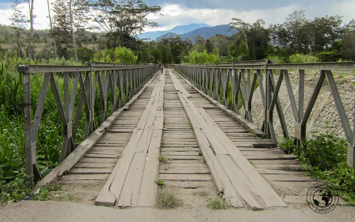 A bridge along the country roads around the Baliem valley