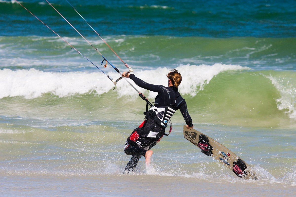 Kite Surfer- How to get from Manila to la union in San Fernanado