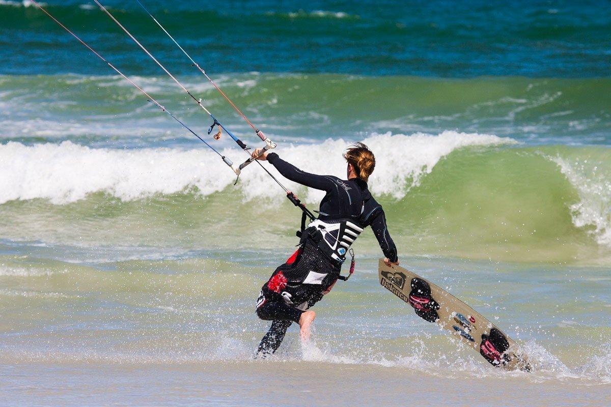 Kite Surfer- How to get from Manila to la union in San Fernanado