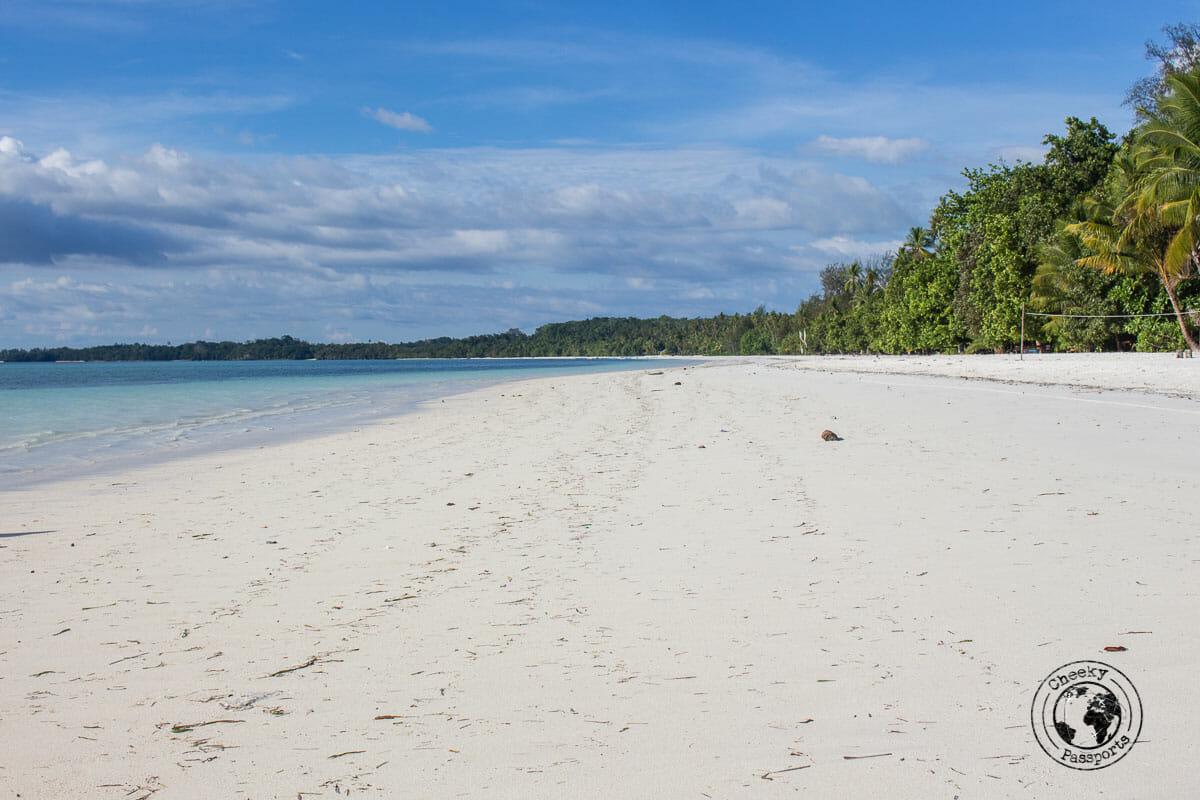 Ohoidertitutu - exploring the Kei islands in malukku
