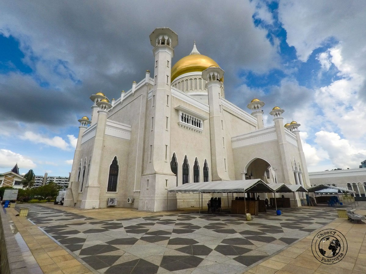 Sultan Omar Ali Saifuddin Mosque - tourist spots in Brunei