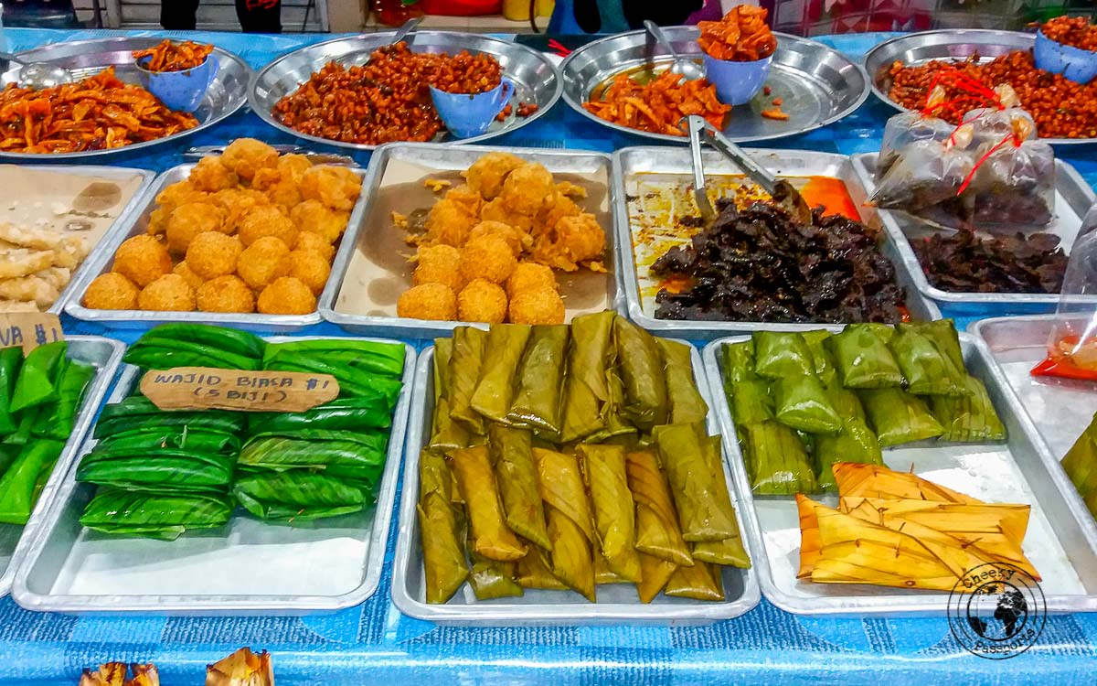The night market in Gadong, a good option when travelling Brunei on a budget