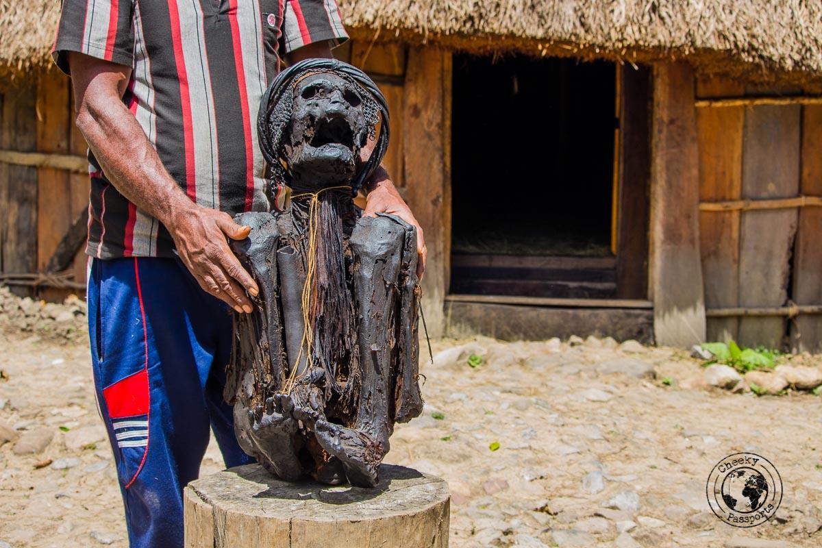 Wimontok Mabel, the Jiwika mummy, Baliem Valley, Papua