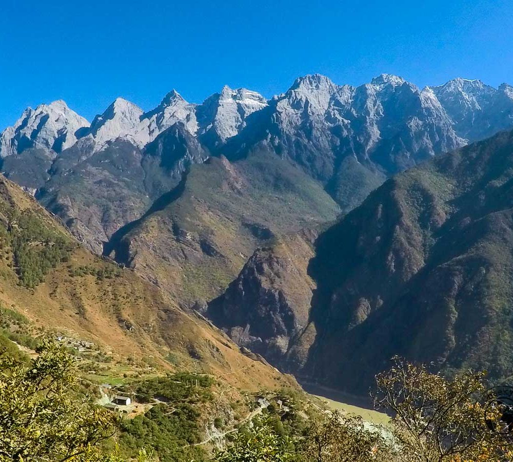 Hiking Tiger Leaping Gorge in Three Days – Yunnan Travel