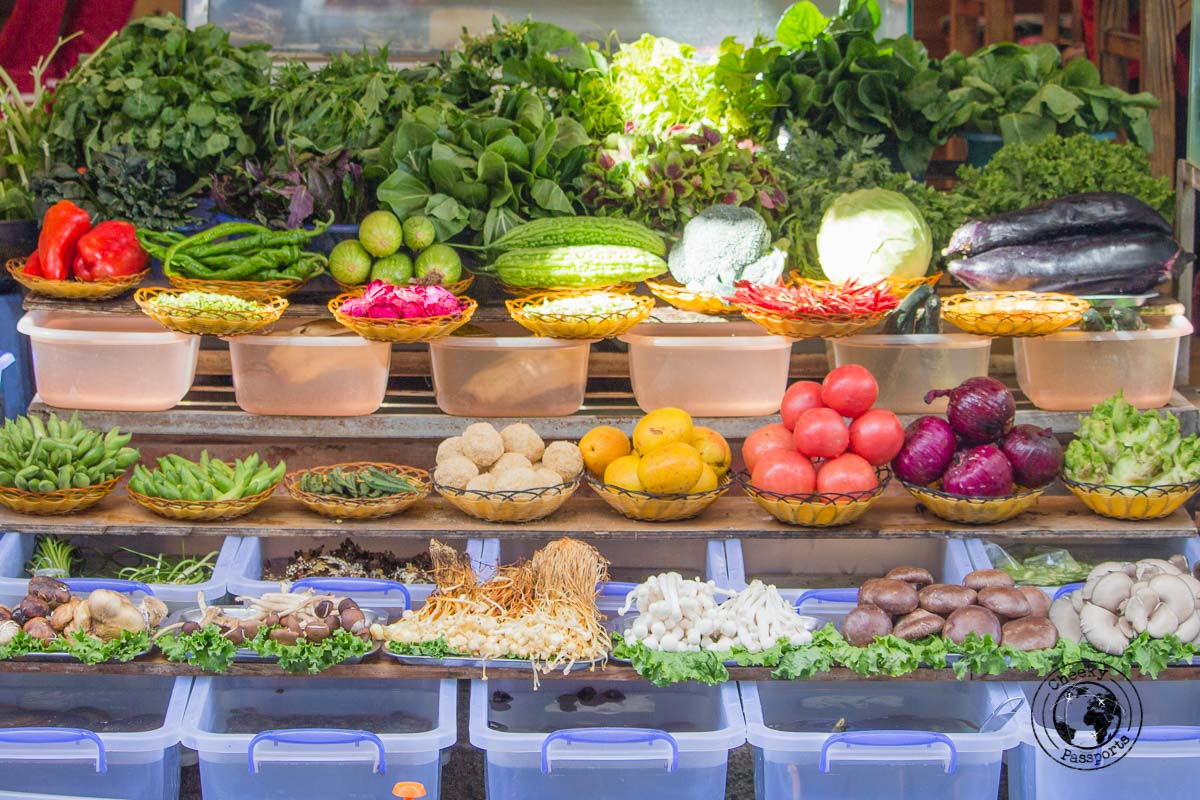 A fresh selection at a chinese restaurant in dali - Yunnan Travel - A two-week Itinerary for Yunnan