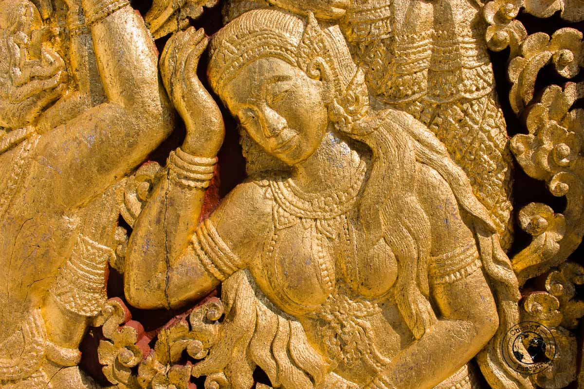 a detail at the Wat XiengThong - things to do while backpacking in Laos