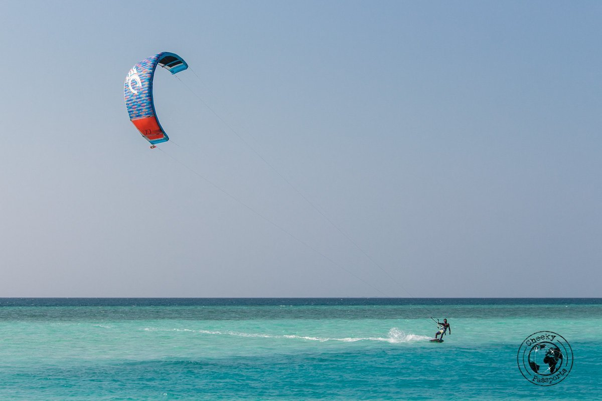 Kite surfing in the Maldives - backpacking maldives