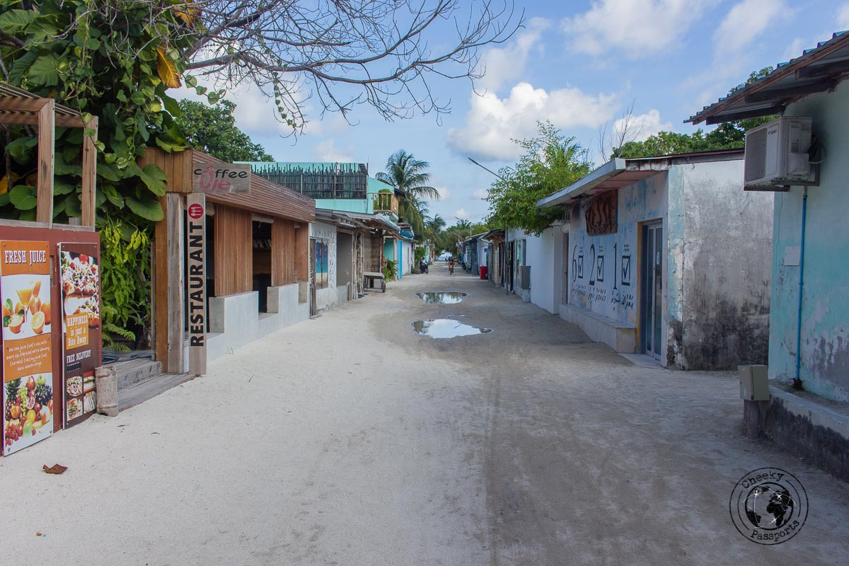 The streets of Rasdhoo - Maldives local islands