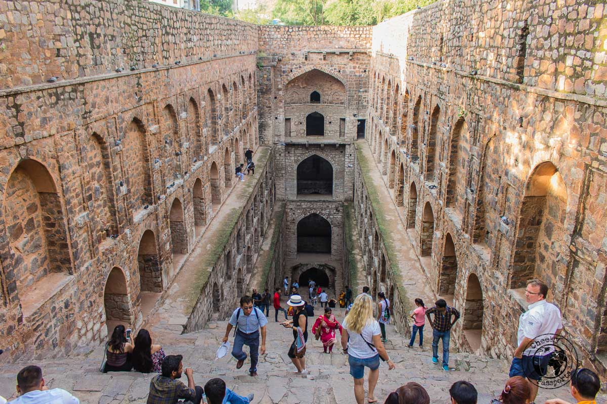 Agrasen Ki Baoli Stepwell - Backpacking in Delhi - Delhi Sightseeing by metro