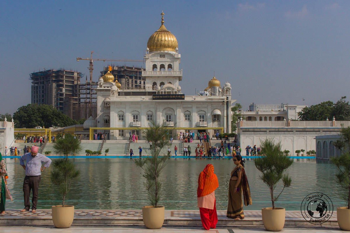 Gurudwara Bangla Sahib - Backpacking in Delhi - Delhi Sightseeing by metro