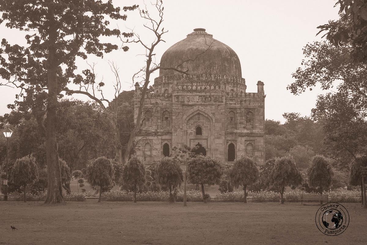 Temple in Lodhi Gardens - Backpacking in Delhi - Delhi Sightseeing by metro
