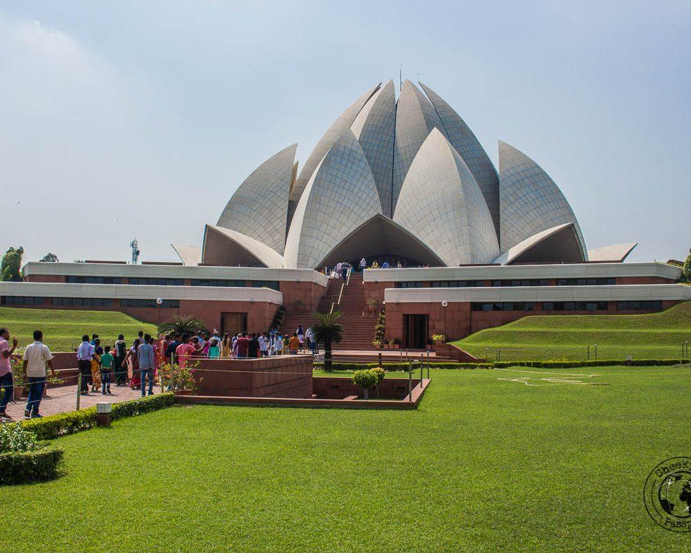 Backpacking in Delhi – Delhi Sightseeing by Metro