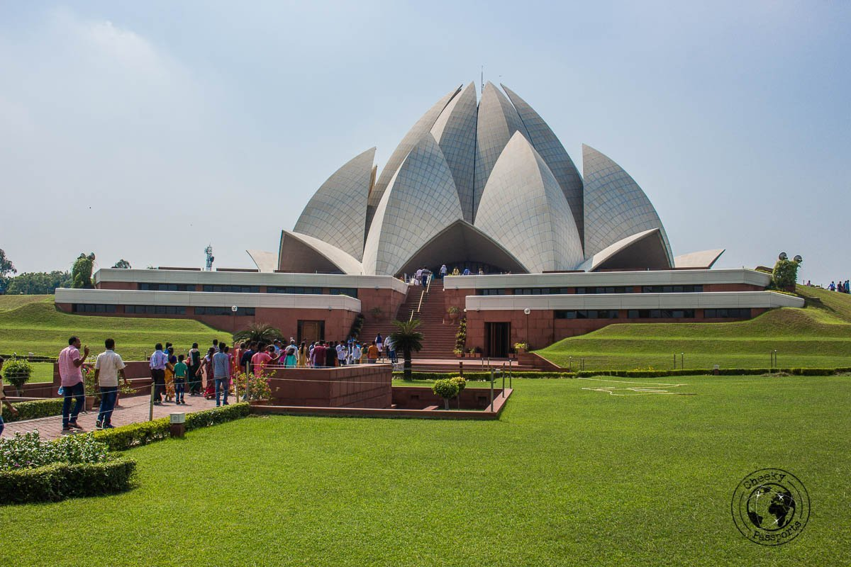 The Lotus Temple - Backpacking in Delhi - Delhi Sightseeing by metro
