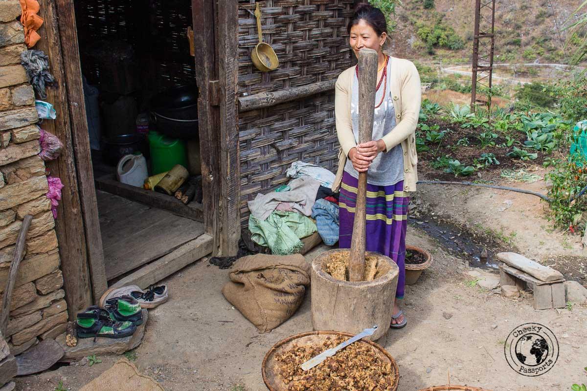 Preparing the foods in Arunachal Pradesh