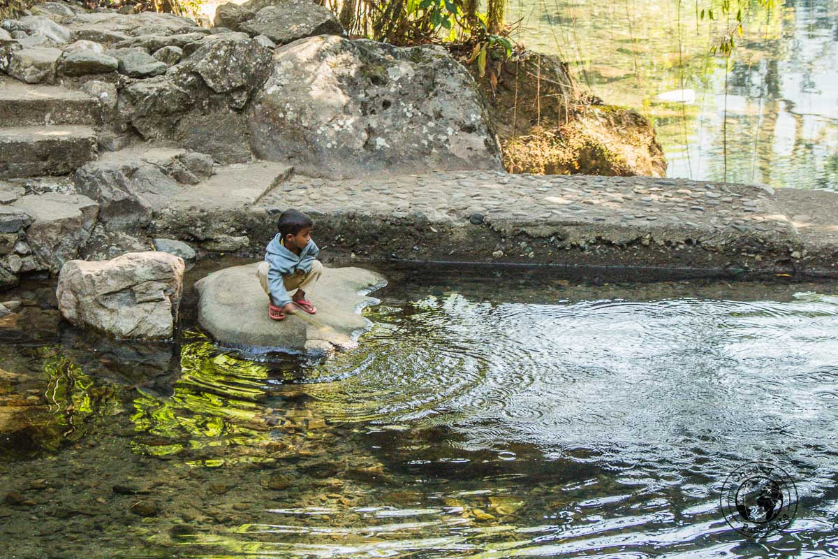 Children playing in Nongriat - what to do in Meghalaya