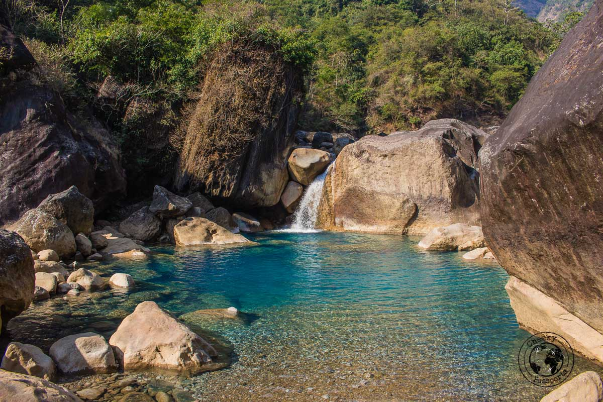 Natural pools on the way to the Rainbow Falls in Nongriat - Meghalaya