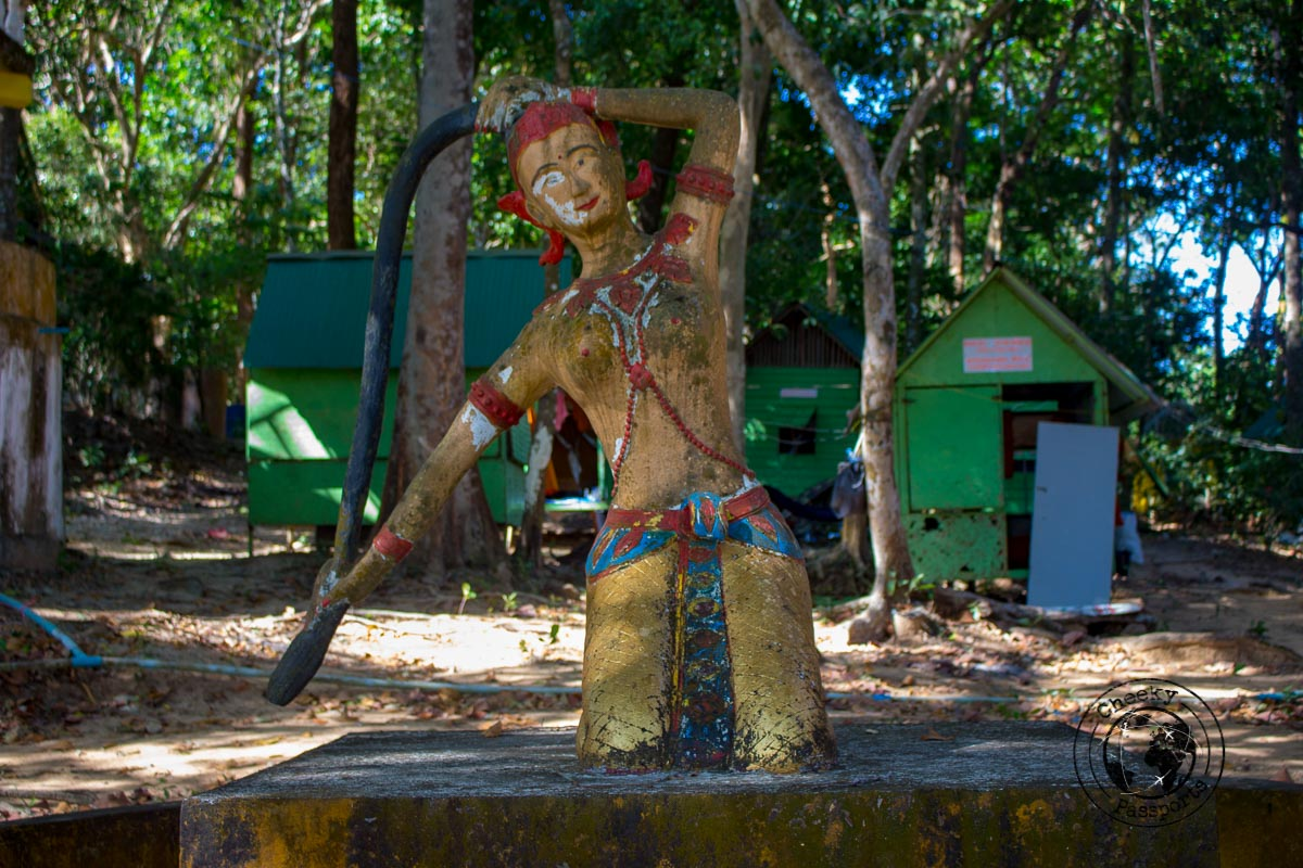 Quirky structures in Koh Phayam