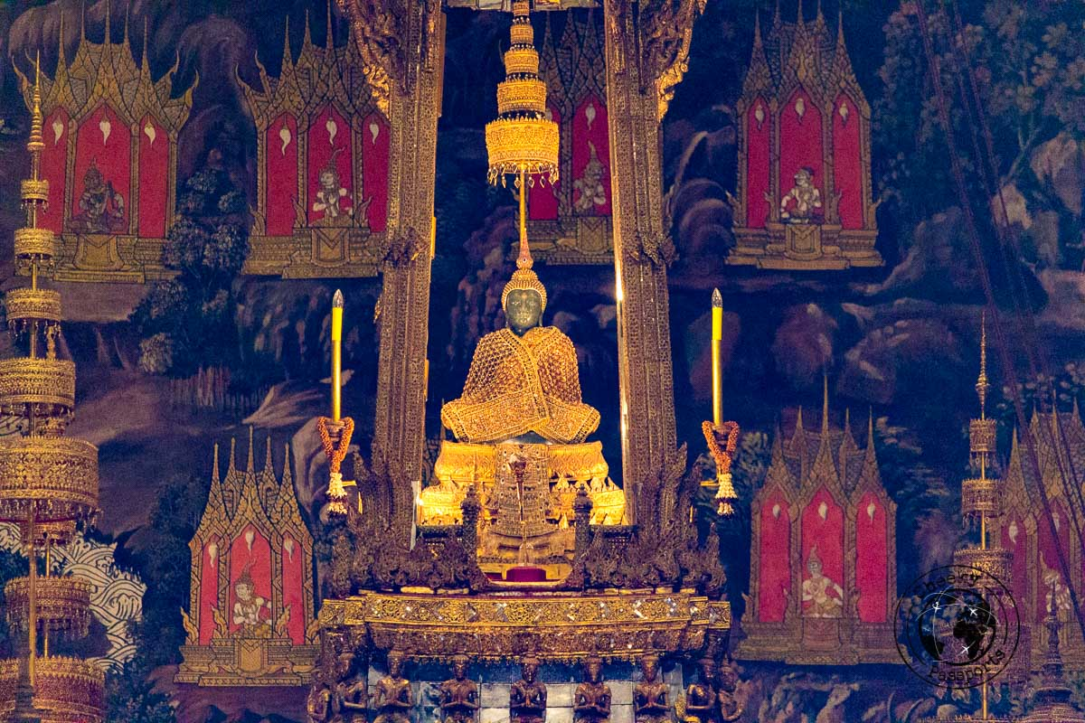 The emerald Buddha is one of the things to do in bangkok in 3 days