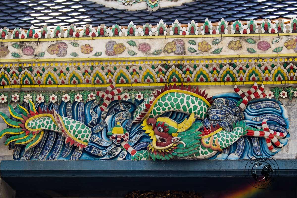 a Detail of the grand palace of Bangkok