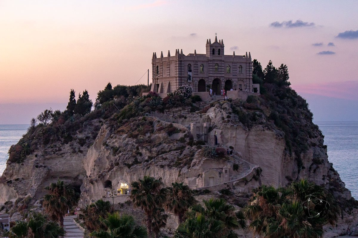 Chiesa di Santa Maria dell isola, things to do in tropea