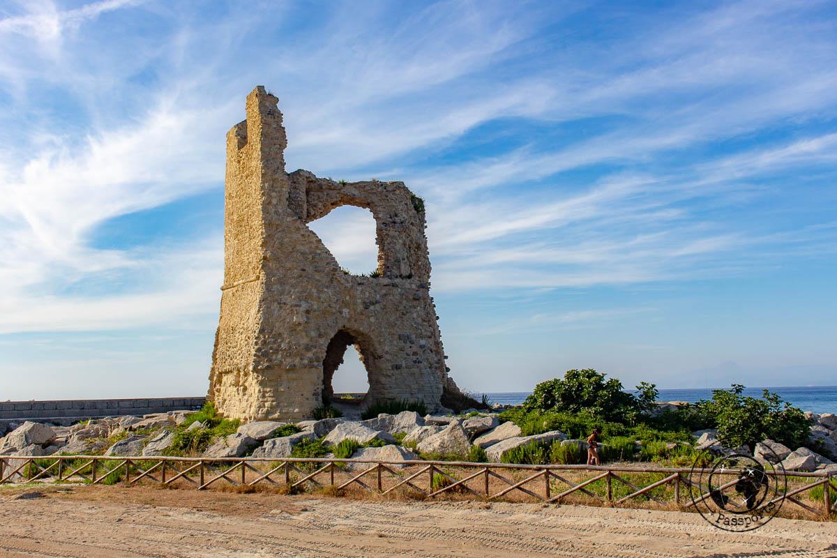 Rochetta tower in Briatico, things to do in tropea