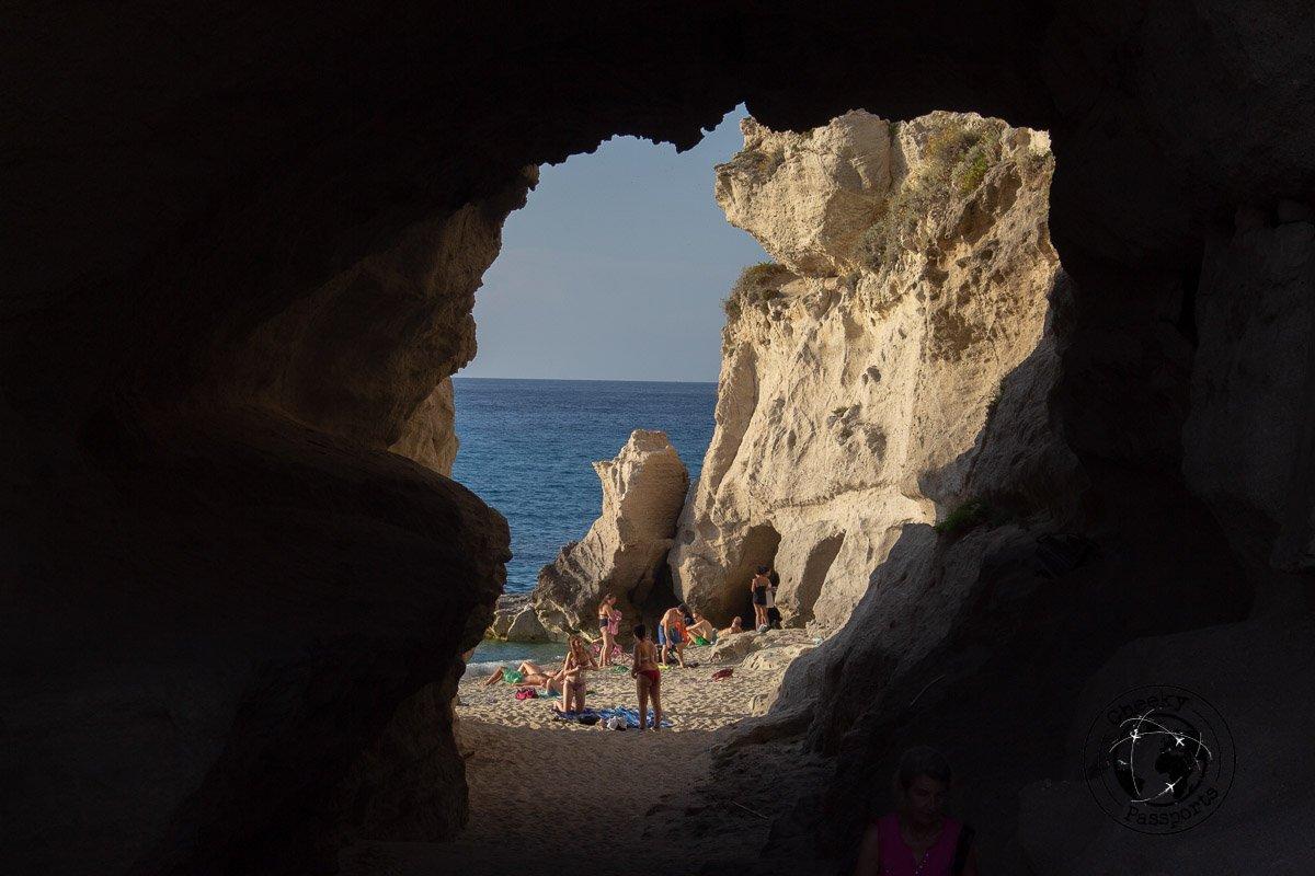 Spiaggia della rotunda in tropea, calabria