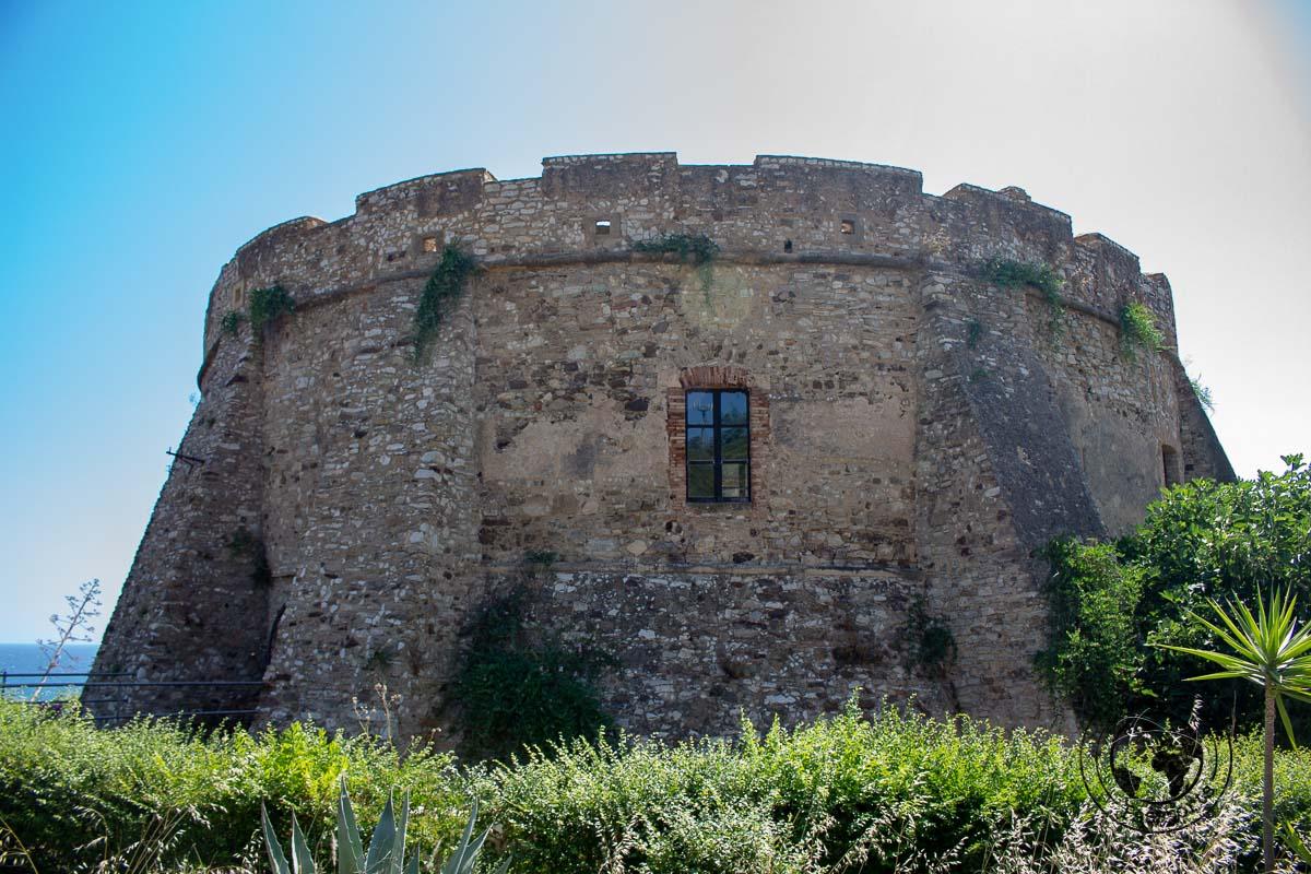 Torre Pignatelli in Torre Melissa