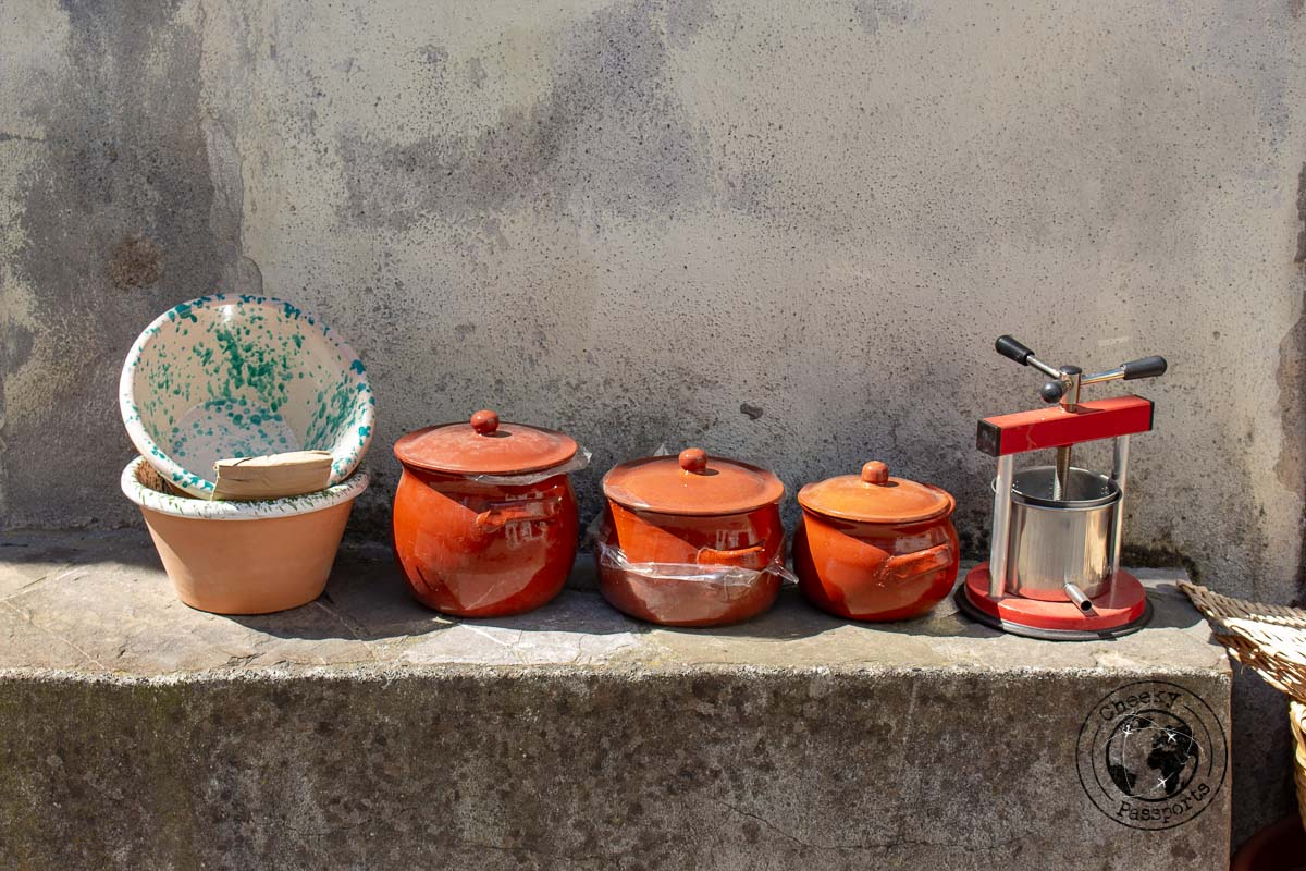 Pottery and other handmade traditional goods at Aieta